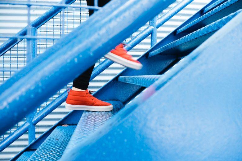 人生が変わる階段をのぼる人