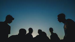 集団のシルエット
