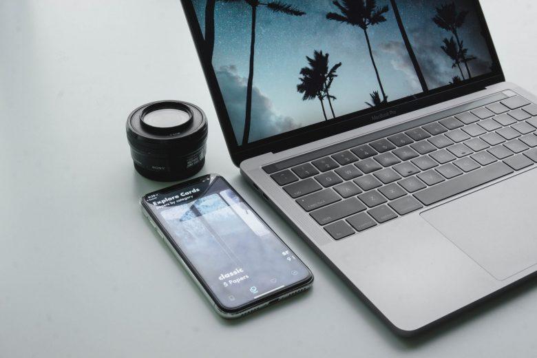 スマートフォンとmacbookでネットを使う準備中